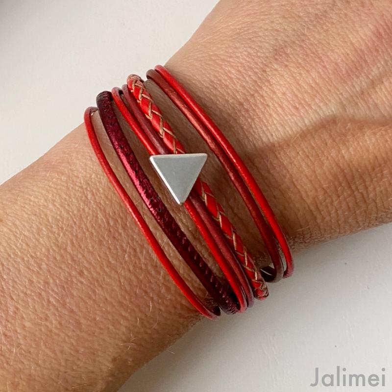 Lederarmband Dreieck rot