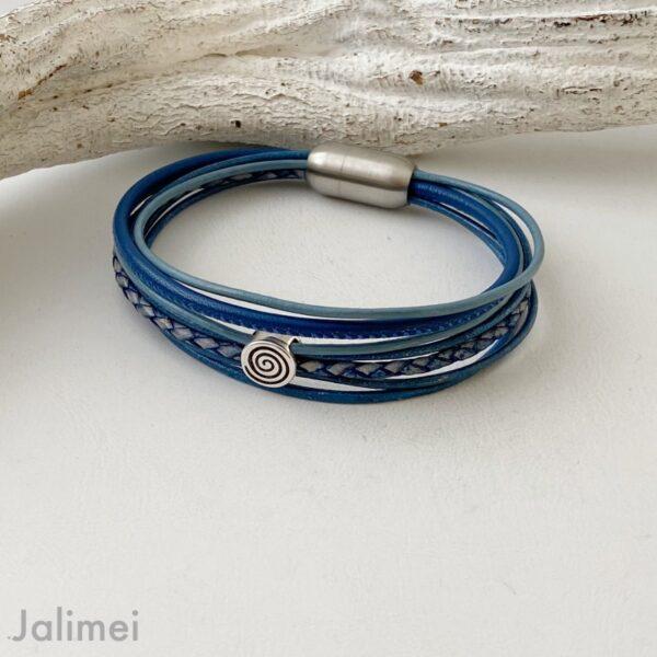 Lederarmband mit kleine Spirale blau